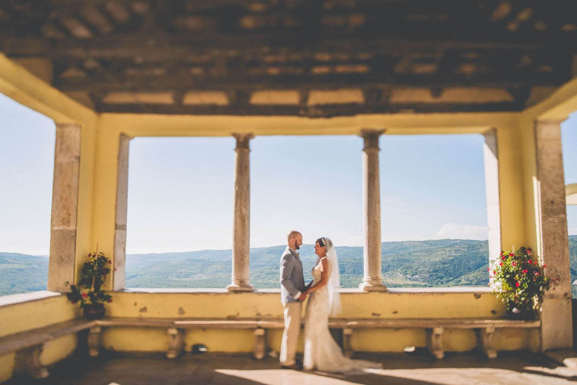 wedding-photographer-motovun-hotel-kastel-059