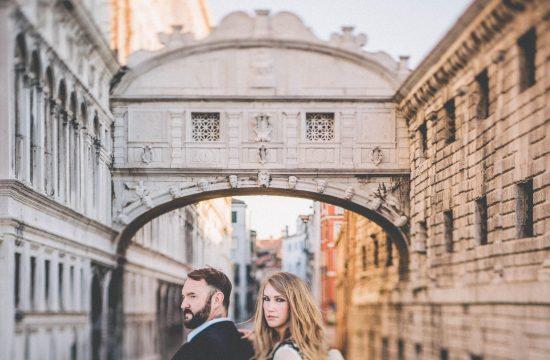 romantic honeymoon venice photographer