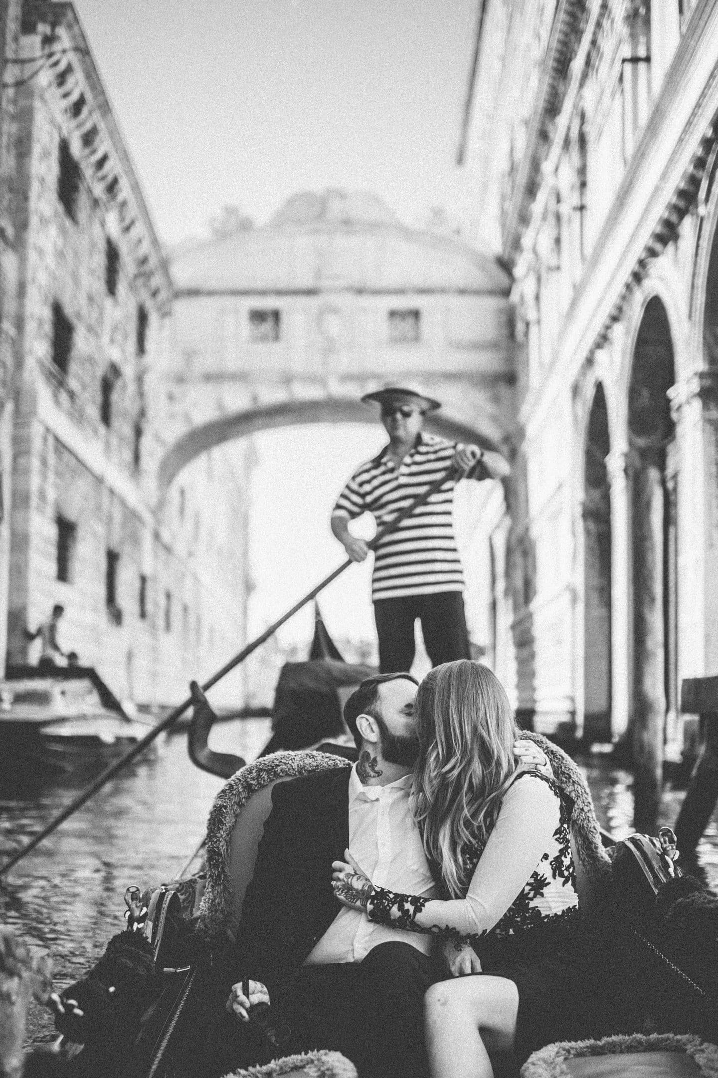 romantic honeymoon venice photographer